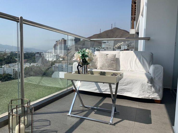 Home Staging & Co. Varanda, marquise e terraçoMobiliário