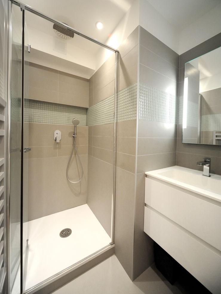 Salle d'eau Créateurs d'Interieur Salle de bain minimaliste