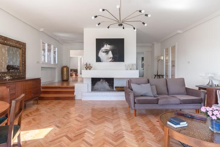 Arquigestiona Reformas S.L. Moderne Wohnzimmer Weiß