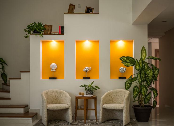 Arquigraph   arquitectura + diseño Ingresso, Corridoio & Scale in stile mediterraneo Cemento Giallo