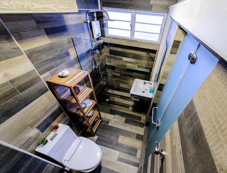 Ideal Design Interior Baños de estilo ecléctico Acabado en madera