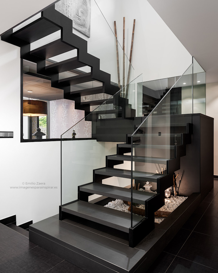 Escalera escultórica. arQmonia estudio, Arquitectos de interior, Asturias Escaleras