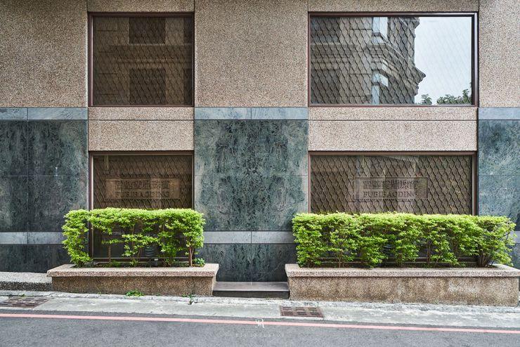 富壁寶鼎珠寶店 FBBD Jeweler 理絲室內設計有限公司 Ris Interior Design Co., Ltd. 辦公空間與店舖 花崗岩 Green