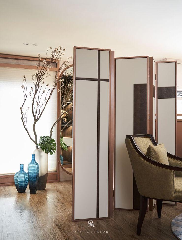 富壁寶鼎珠寶店 FBBD Jeweler 理絲室內設計有限公司 Ris Interior Design Co., Ltd. 辦公空間與店舖 銅/青銅/黃銅 White