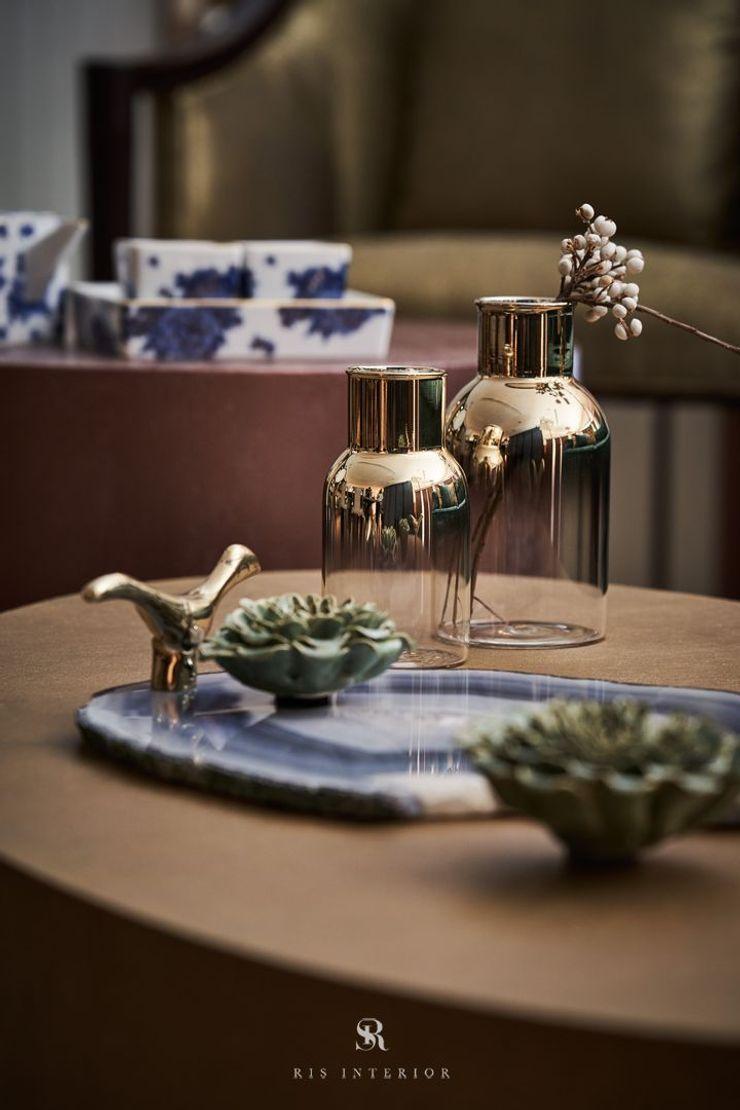 富壁寶鼎珠寶店 FBBD Jeweler 理絲室內設計有限公司 Ris Interior Design Co., Ltd. 辦公空間與店舖 銅/青銅/黃銅 Amber/Gold