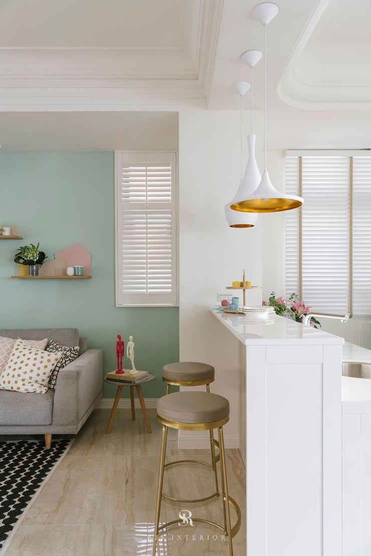 紛染.綿綿 Trochee of Tints 理絲室內設計有限公司 Ris Interior Design Co., Ltd. 客廳 銀/金 Blue