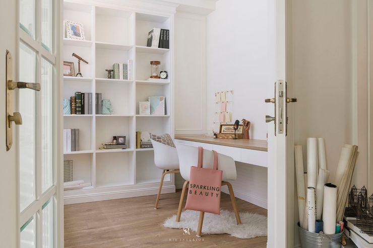 紛染.綿綿 Trochee of Tints 理絲室內設計有限公司 Ris Interior Design Co., Ltd. 書房/辦公室 塑木複合材料 White