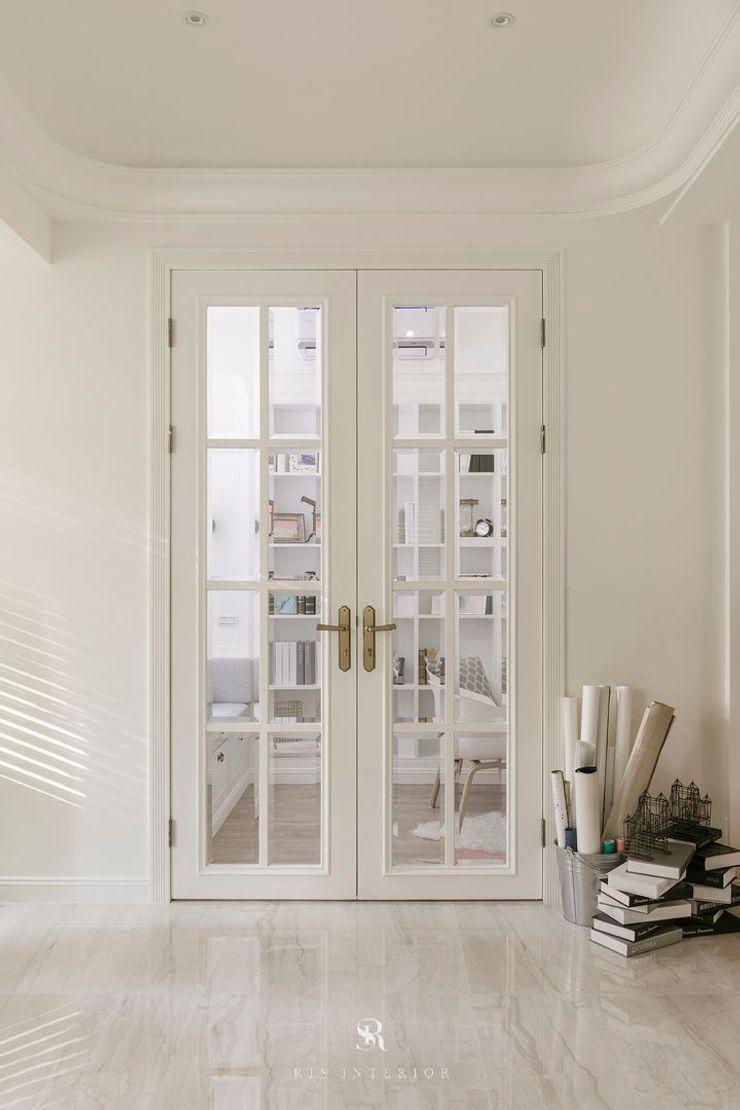 紛染.綿綿 Trochee of Tints 理絲室內設計有限公司 Ris Interior Design Co., Ltd. 門 木頭 White