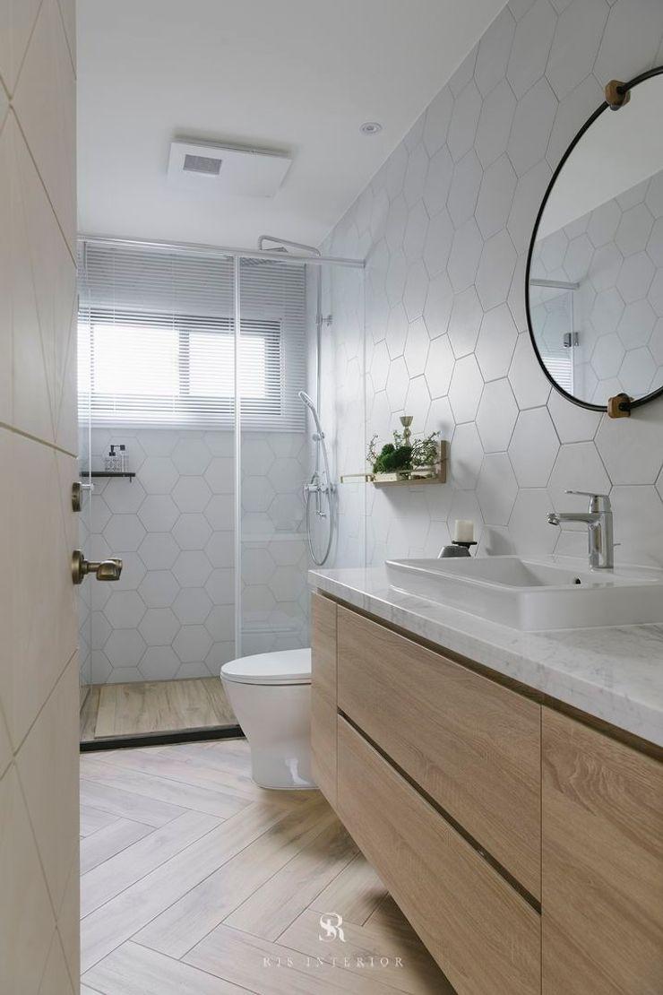 紛染.綿綿 Trochee of Tints 理絲室內設計有限公司 Ris Interior Design Co., Ltd. 浴室 磚塊 White