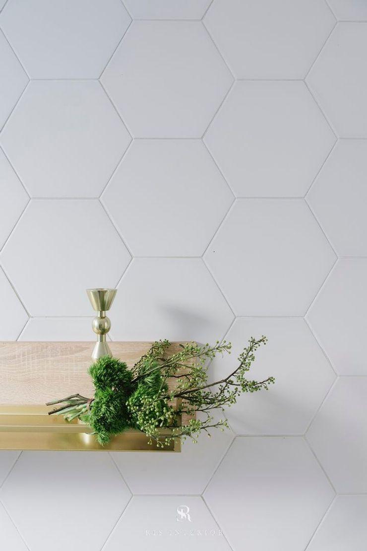 紛染.綿綿 Trochee of Tints 理絲室內設計有限公司 Ris Interior Design Co., Ltd. 牆面 磁磚 White