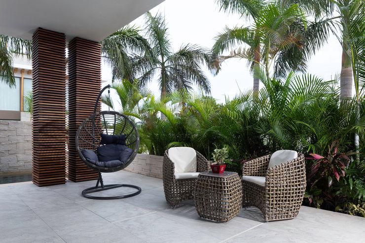 casa de la p Daniel Cota Arquitectura | Despacho de arquitectos | Cancún Modern Terrace Wood Wood effect