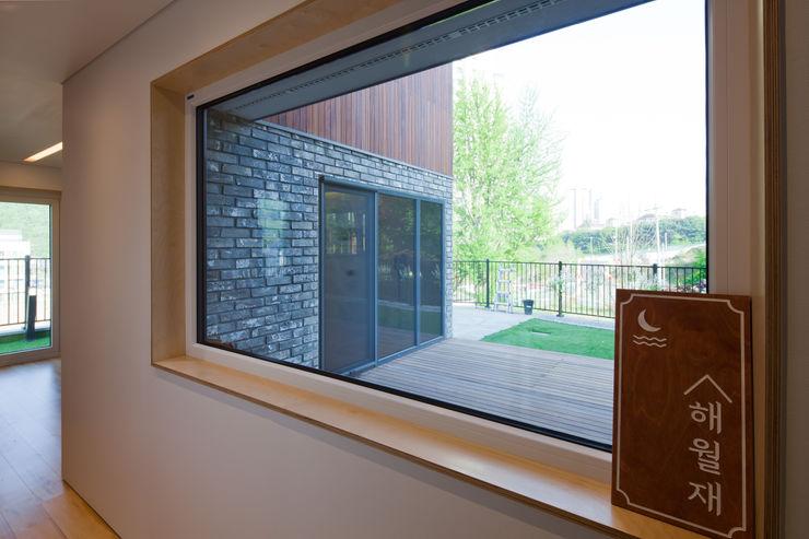 위드하임 Withheim Moderner Flur, Diele & Treppenhaus