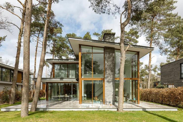 Een ontwerp voor een woonhuis waarbij we de omgeving intact hebben gehouden Engel Architecten Villa Grijs