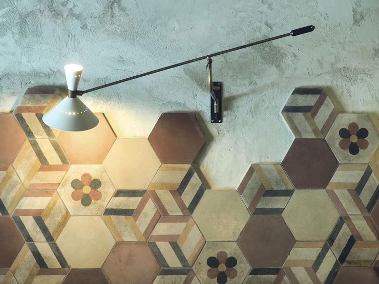 Luppoleria - Lampade e cementine VANDA Bar & Club in stile rustico
