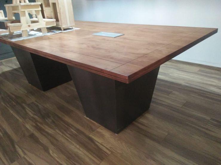 Grey-Woods Oficinas y tiendas Derivados de madera Marrón