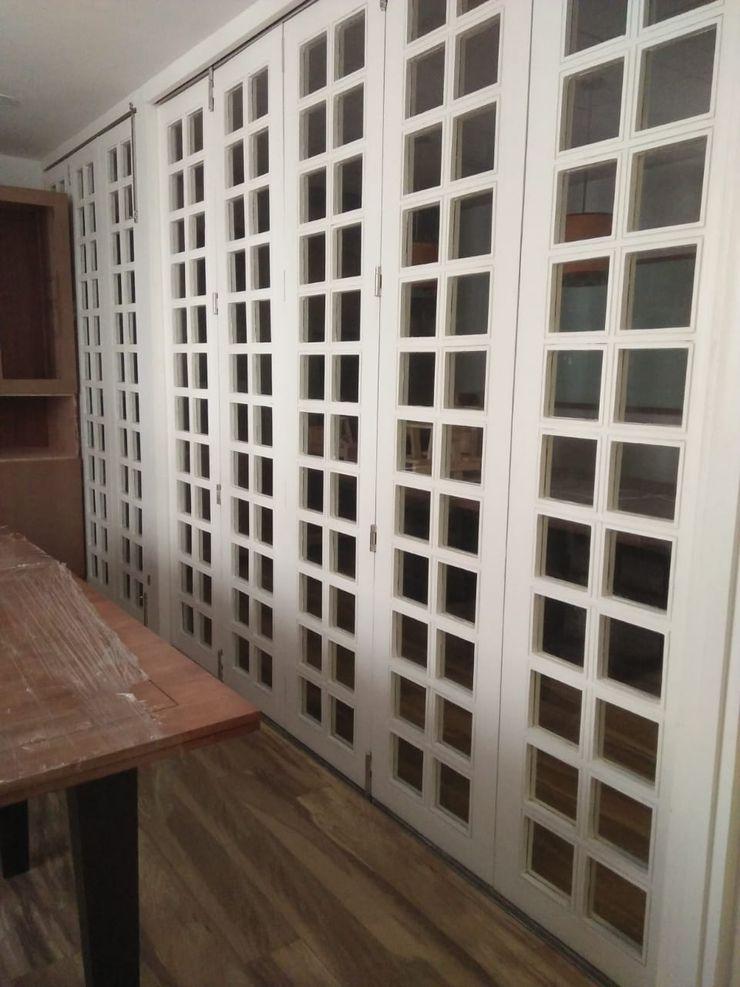 Grey-Woods Puertas corredizas Derivados de madera Blanco
