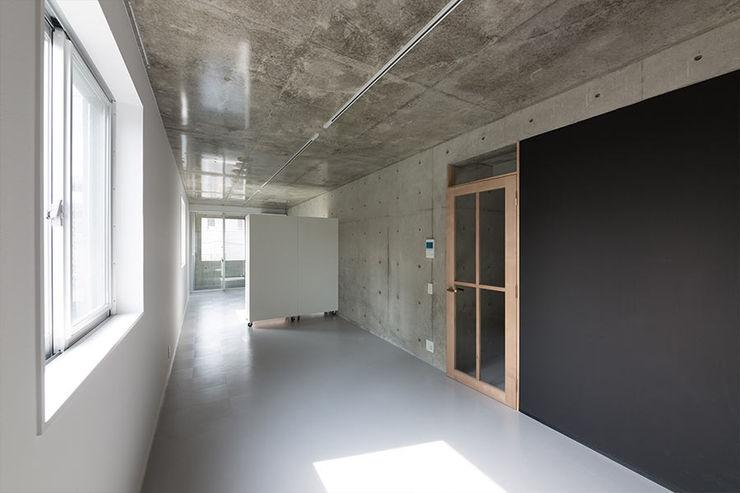 CO2WORKS Modern living room Concrete Grey