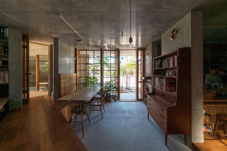 CO2WORKS Modern dining room