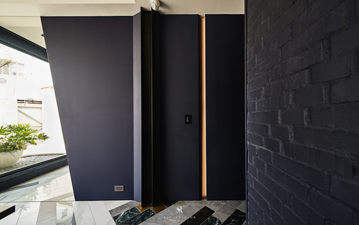 生生創研 XOR Creative Research 理絲室內設計有限公司 Ris Interior Design Co., Ltd. 玄關、走廊與階梯配件與裝飾品 合板 Purple/Violet
