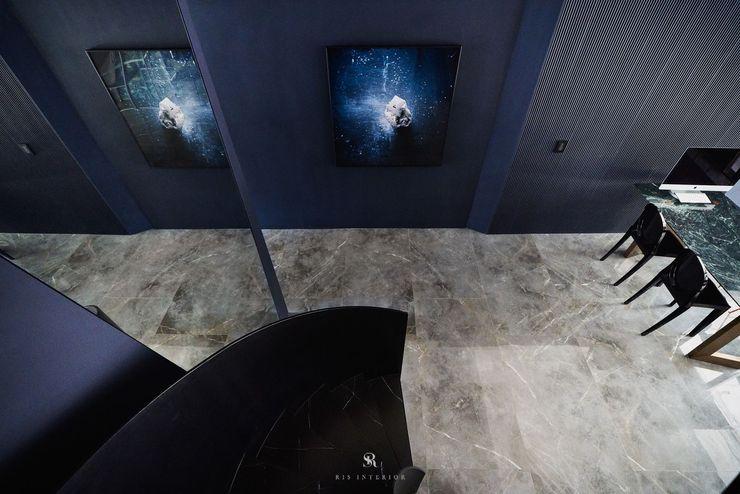生生創研 XOR Creative Research 理絲室內設計有限公司 Ris Interior Design Co., Ltd. 經典風格的走廊,走廊和樓梯 鐵/鋼 Black