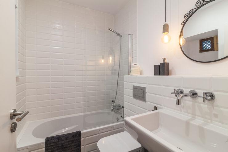 Fiol arquitectes Mediterranean style bathroom