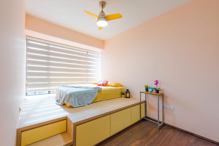 DAP Atelier 北欧スタイルの 寝室 合板(ベニヤ板) 黄色