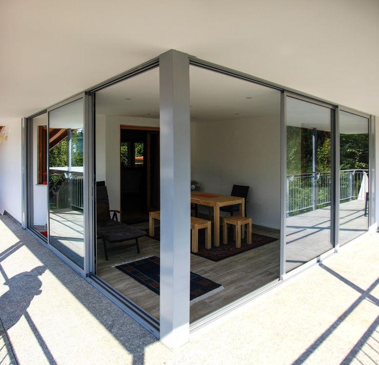 Eckausbildung Wintergarten archipur Architekten aus Wien Moderner Wintergarten Granit Grau