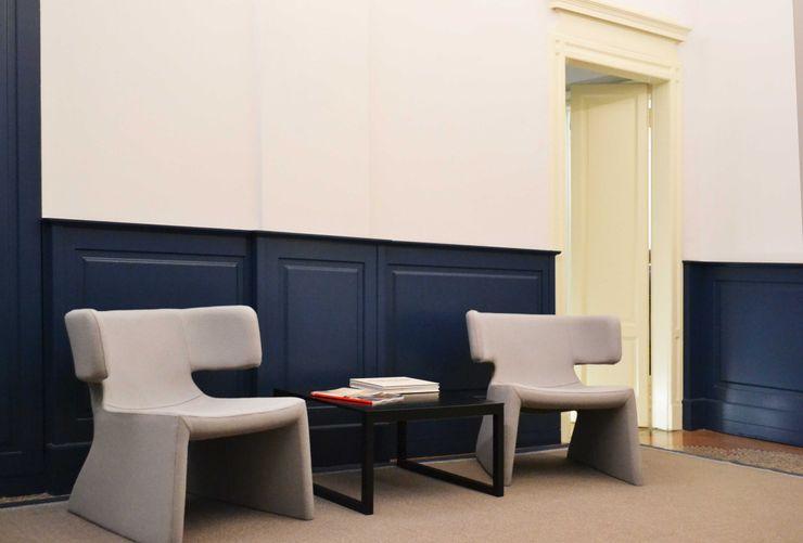 Sala attesa viemme61 Negozi & Locali commerciali in stile classico