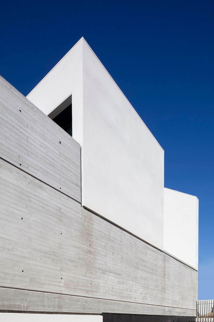 TEÓFILO. Carpintería de Aluminio Комерційні простори