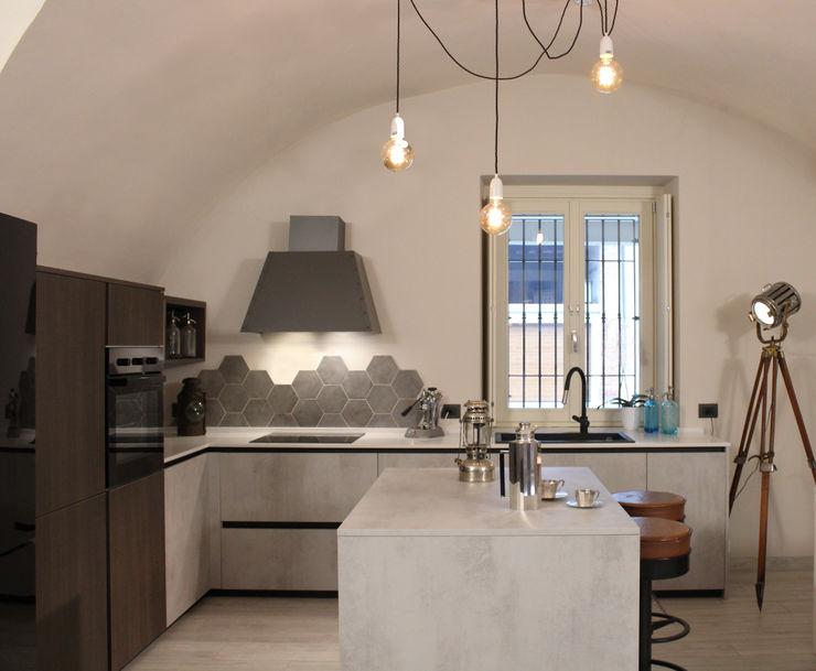 Cucina industrial viemme61 Cucina in stile industriale Cemento