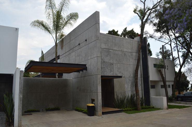 MINUS HL5 GROUP Casas industriales