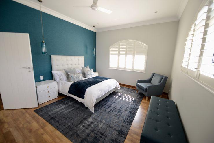 Upstairs Guest Room CS DESIGN Modern style bedroom