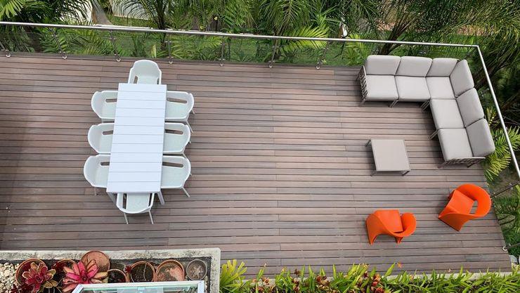 Terraza en Lomas de San Roman, Caracas THE muebles Balcones y terrazas de estilo minimalista Multicolor