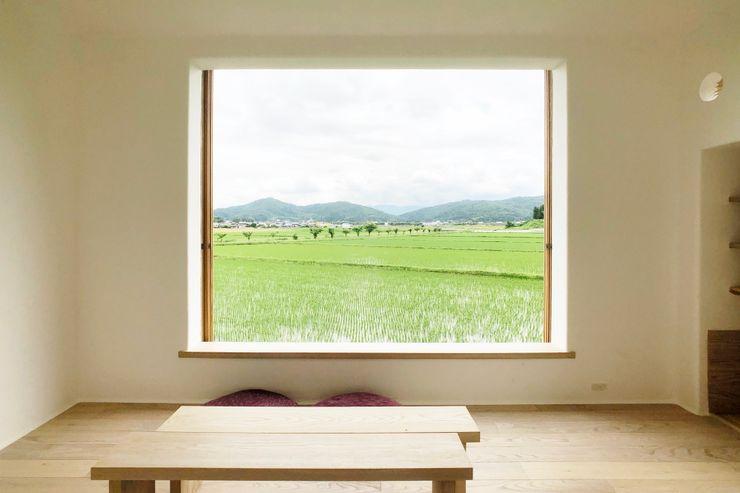Tea room in Iga Mimasis Design/ミメイシス デザイン 木製サッシ 木 木目調