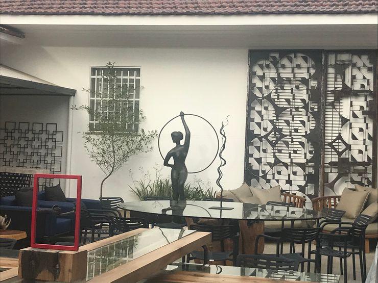 Izabella Biancardine Interiores Modern bars & clubs