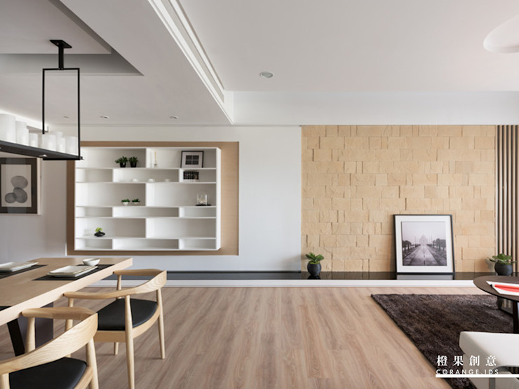 橙果創意國際設計 Soggiorno in stile scandinavo Effetto legno