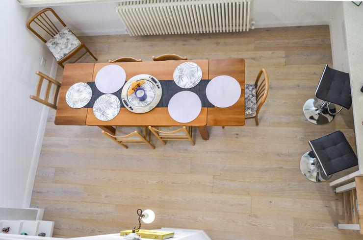 Tra mare e vecchio incasao – 90mq Studio ARCH+D Sala da pranzo in stile mediterraneo