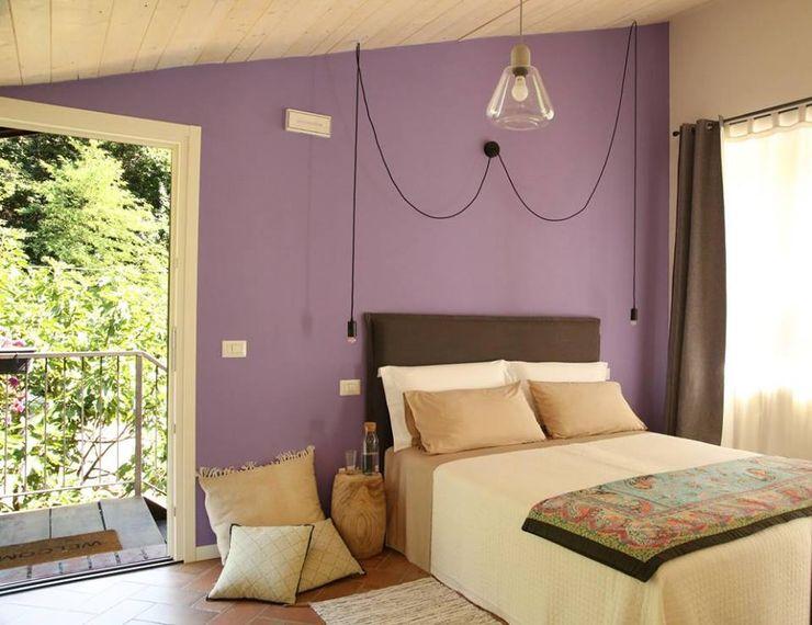 Rina Agostino Architetto Schlafzimmer im Landhausstil Lila/Violett