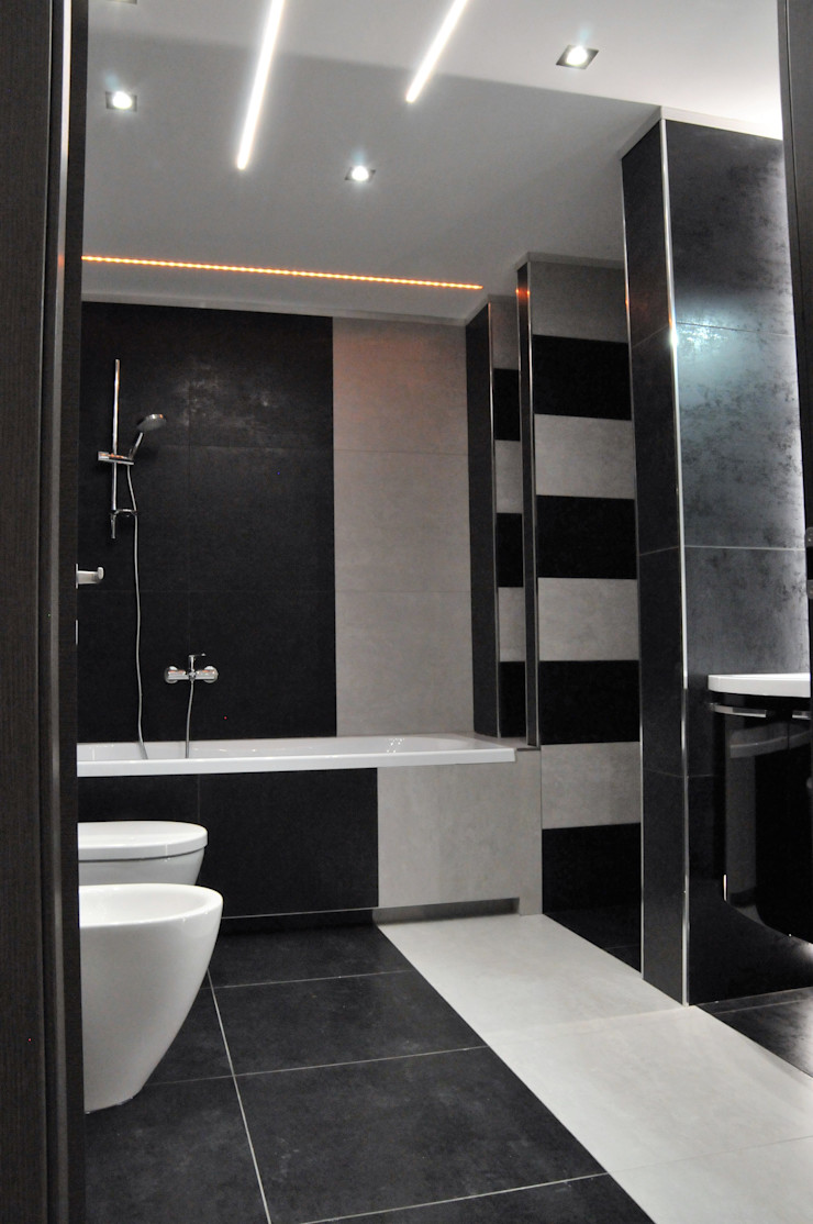 Casa P45 ArchitetturaTerapia® Bagno moderno Piastrelle Nero