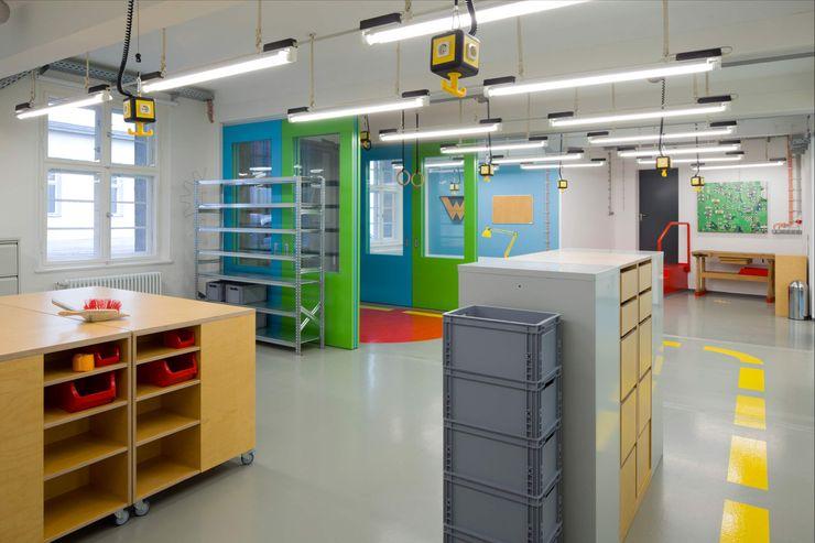 STAURAUM _WERKSTATT FÜR UNBESCHAFFBARES - Innenarchitektur aus Berlin Moderne Bürogebäude