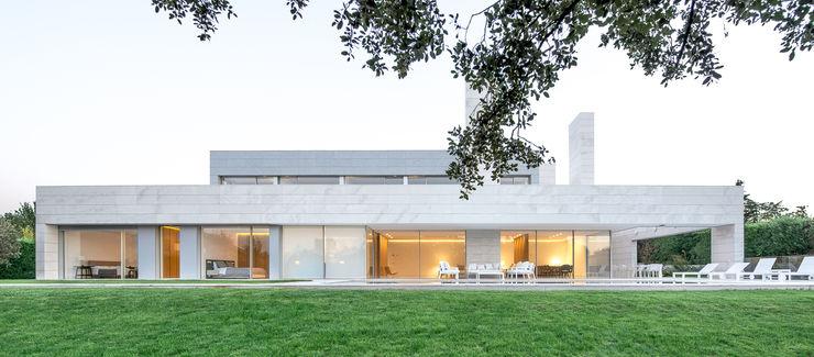 Vivienda Unifamiliar en Madrid Estudio Azqueta - Arquitectos Casas unifamilares Piedra Blanco
