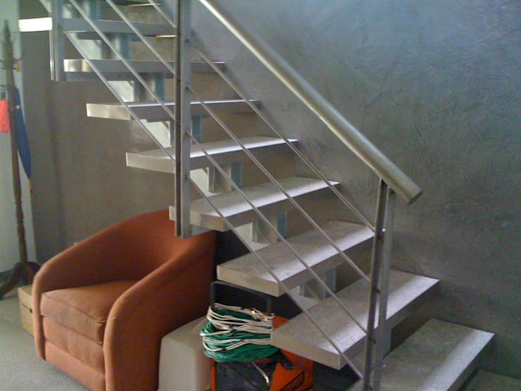 MADAN Arquitectos 계단 대리석 메탈릭 / 실버