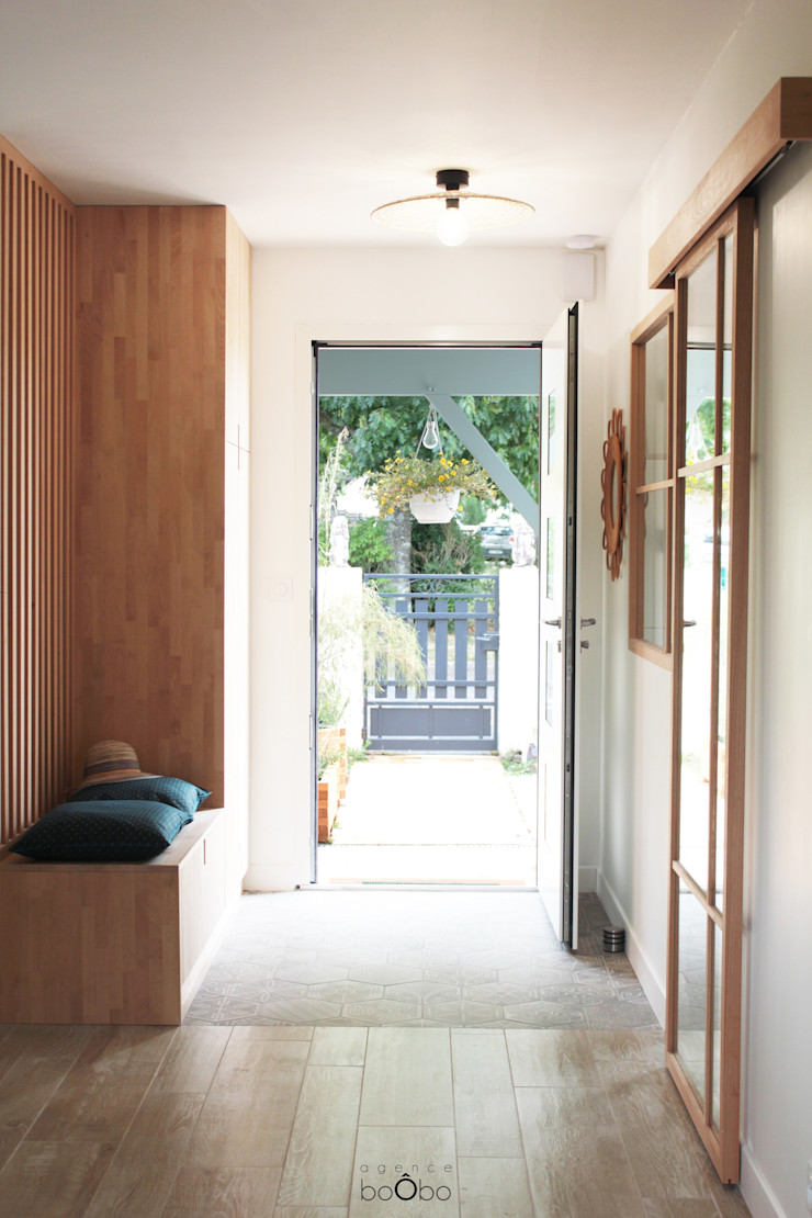 Entrée Agence boÔbo Couloir, entrée, escaliers scandinaves Bois Blanc