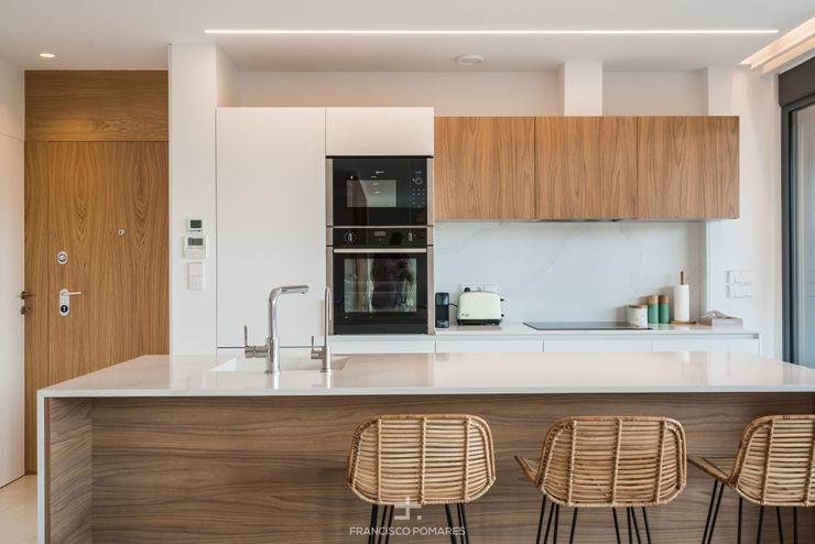 Cocina de diseño con isla Francisco Pomares Arquitecto / Architect Cocinas integrales Madera