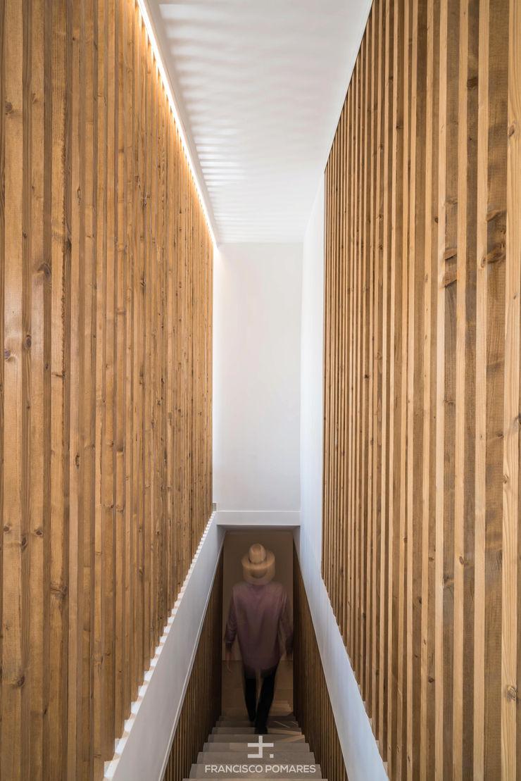 Divisorias de escalera de lamas de madera de pino Francisco Pomares Arquitecto / Architect Escaleras Madera
