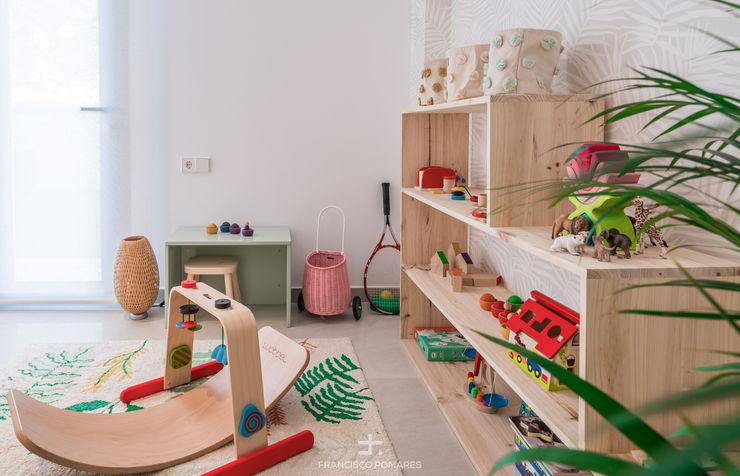 Sala de juegos Francisco Pomares Arquitecto / Architect Dormitorios infantiles de estilo mediterráneo