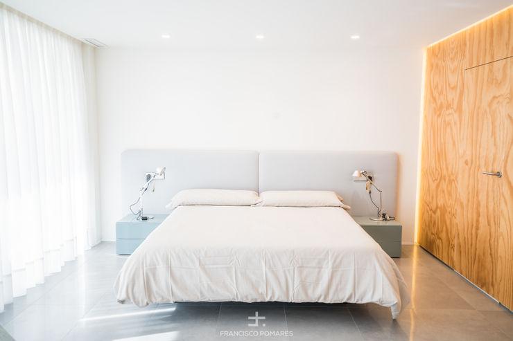 Dormitorio principal Francisco Pomares Arquitecto / Architect Dormitorios de estilo moderno