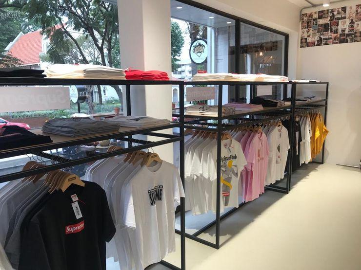 Mağaza Sol Duvar Kalya İç Mimarlık \ Kalya Interıor Desıgn Dükkânlar Metal Siyah