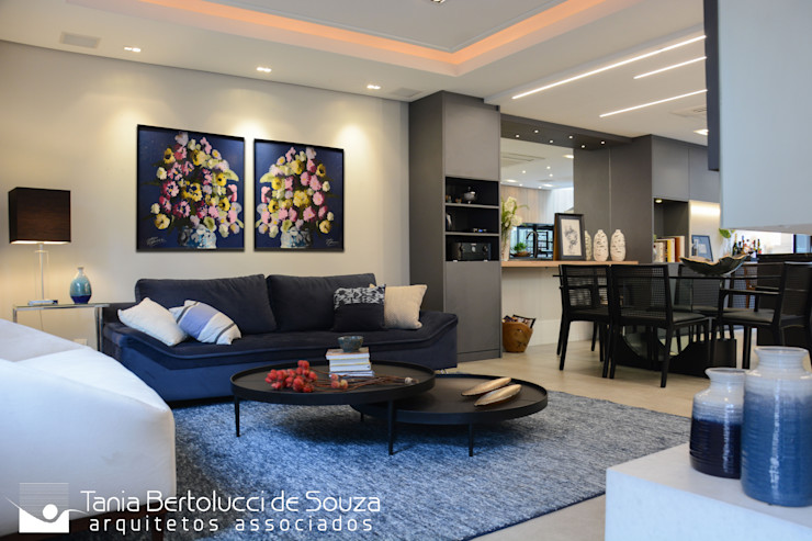 Tania Bertolucci de Souza | Arquitetos Associados Salas de estar modernas