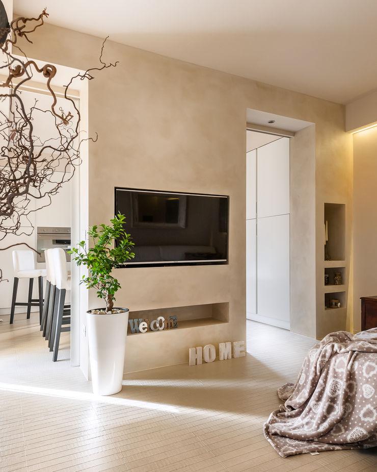 Appartamento privato a Bergamo Resin srl Soggiorno moderno